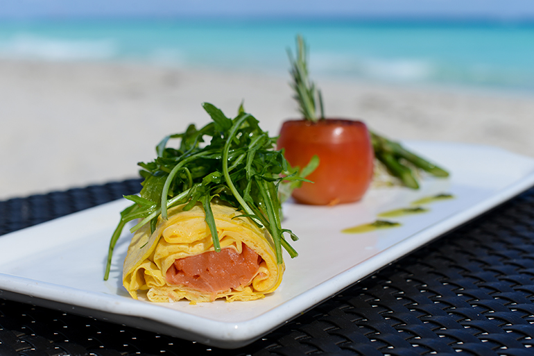 healthy-breakfast-ideas-recipes-Smoked-Salmon-Omelette-vi-770x513