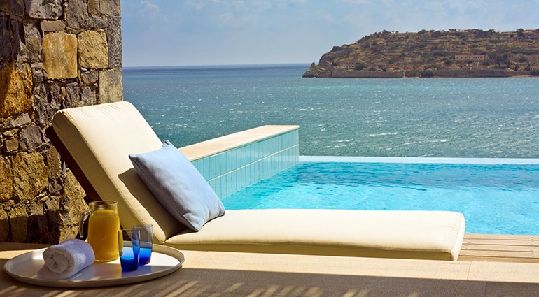 Romantic Getaways Honeymoon Suites With A Private Pool