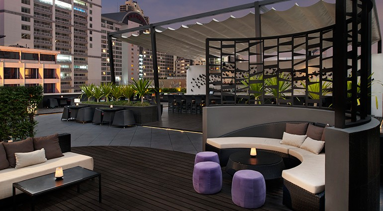 Starwood-Hotels-Rooftop-Bar-four-points-bangkok-fpt3409cl-102552-770x425