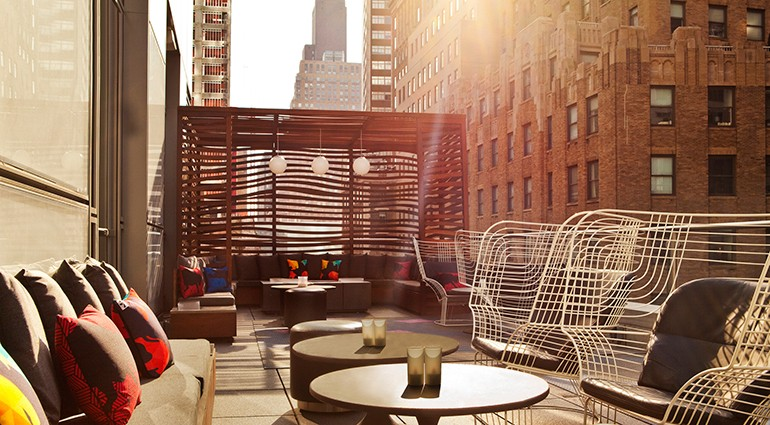 Starwood-Hotels-Rooftop-Bar-who3154cl-133839-vi-770x425