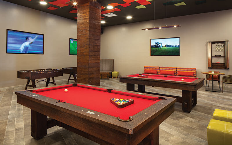 La Cantina Sports Bar Image 2